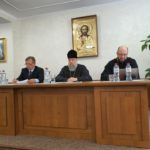 Настоятель Христорождественской церкви принял участие во встрече с представителями областного и районных отделов образования.